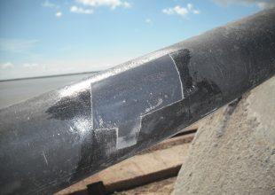 Nous voyons ici un matériau souple réparer grâce aux produits Belzona.